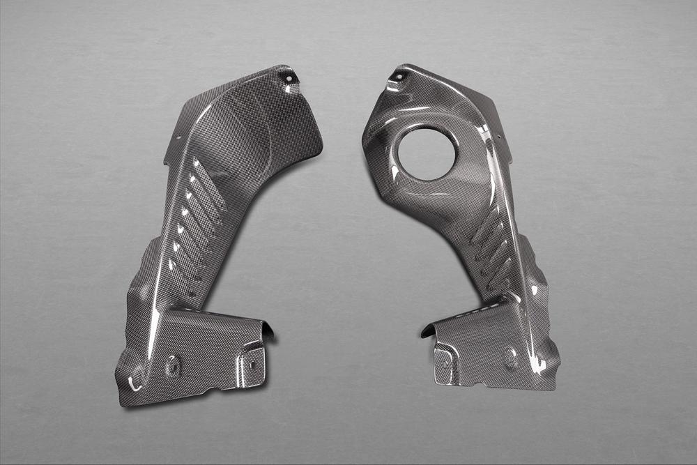 Motorraum Seitenverkleidung Carbon (glanz lackiert)