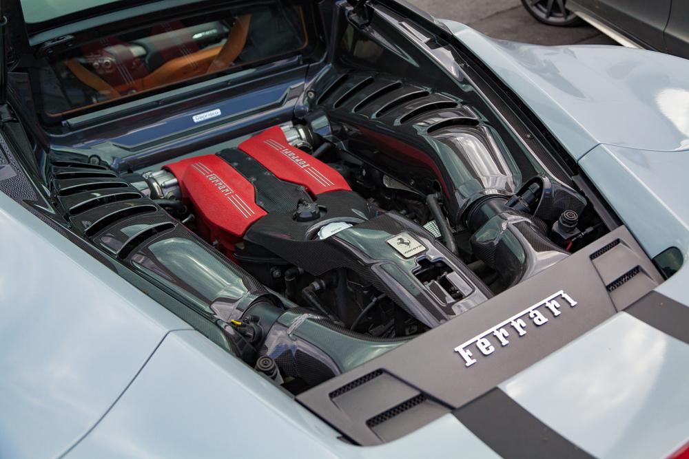 Seitenverkleidung Motorraum Carbon (glanz lackiert)