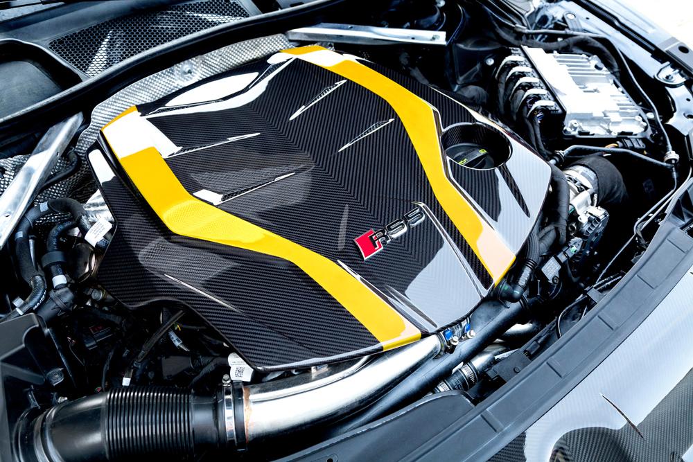 Motorabdeckung Carbon (glanz lackiert)
